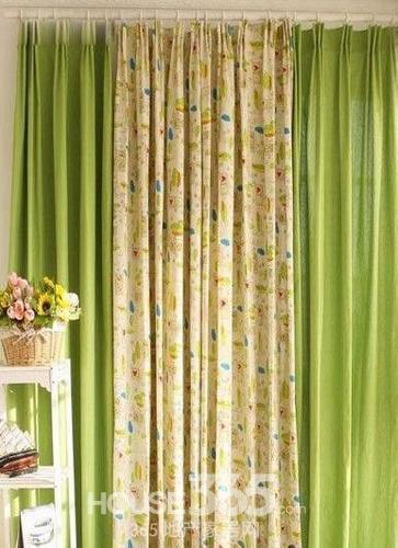 关键词:罗马杆窗帘效果图 温馨装修迎接寒冷冬季 发布时间:2015-11-03